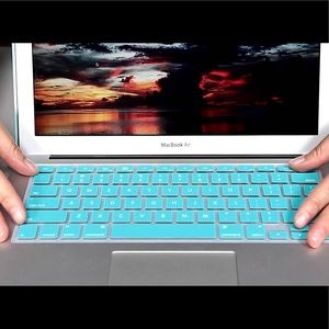Accessories - Silicone Keyboard Skin For Apple MacBook Pro 13in.